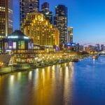 Die australische Stadt Melbourne in der Nacht.