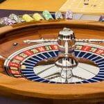 Roulettespiel in einer Spielbank.
