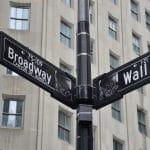 Broadway Wall Street Kreuzung.