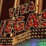 Leuchtende Neonschilder in Las Vegas.