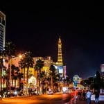 Beleuchtete Straßen von Las Vegas.