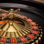 Ein Roulette Kessel.