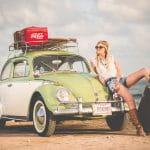 Frau und VW.