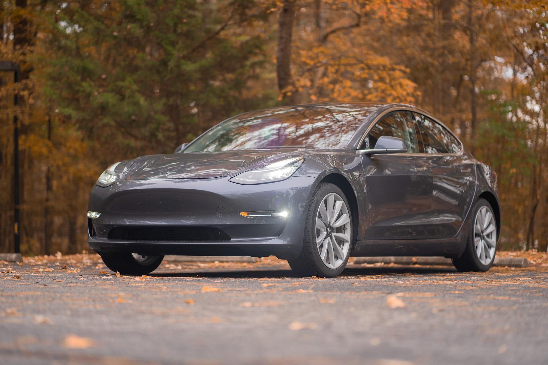 Kendaraan Tesla Model3.